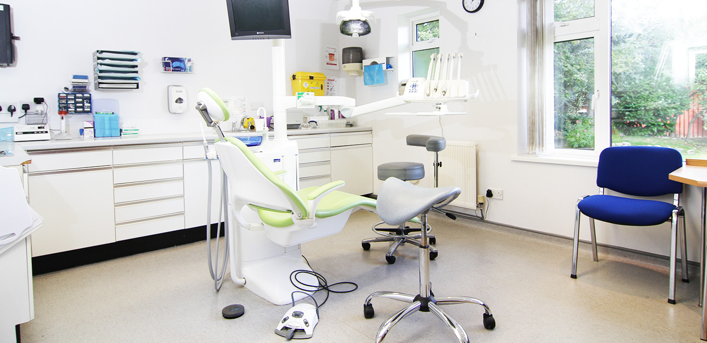wollaton-dental-care-dentist-in-nottingham-dentist-chair